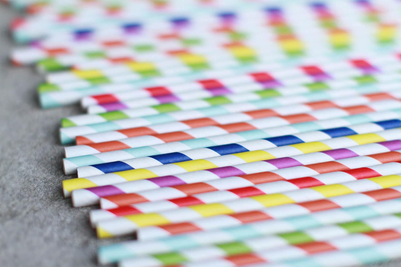 paper straws coloured